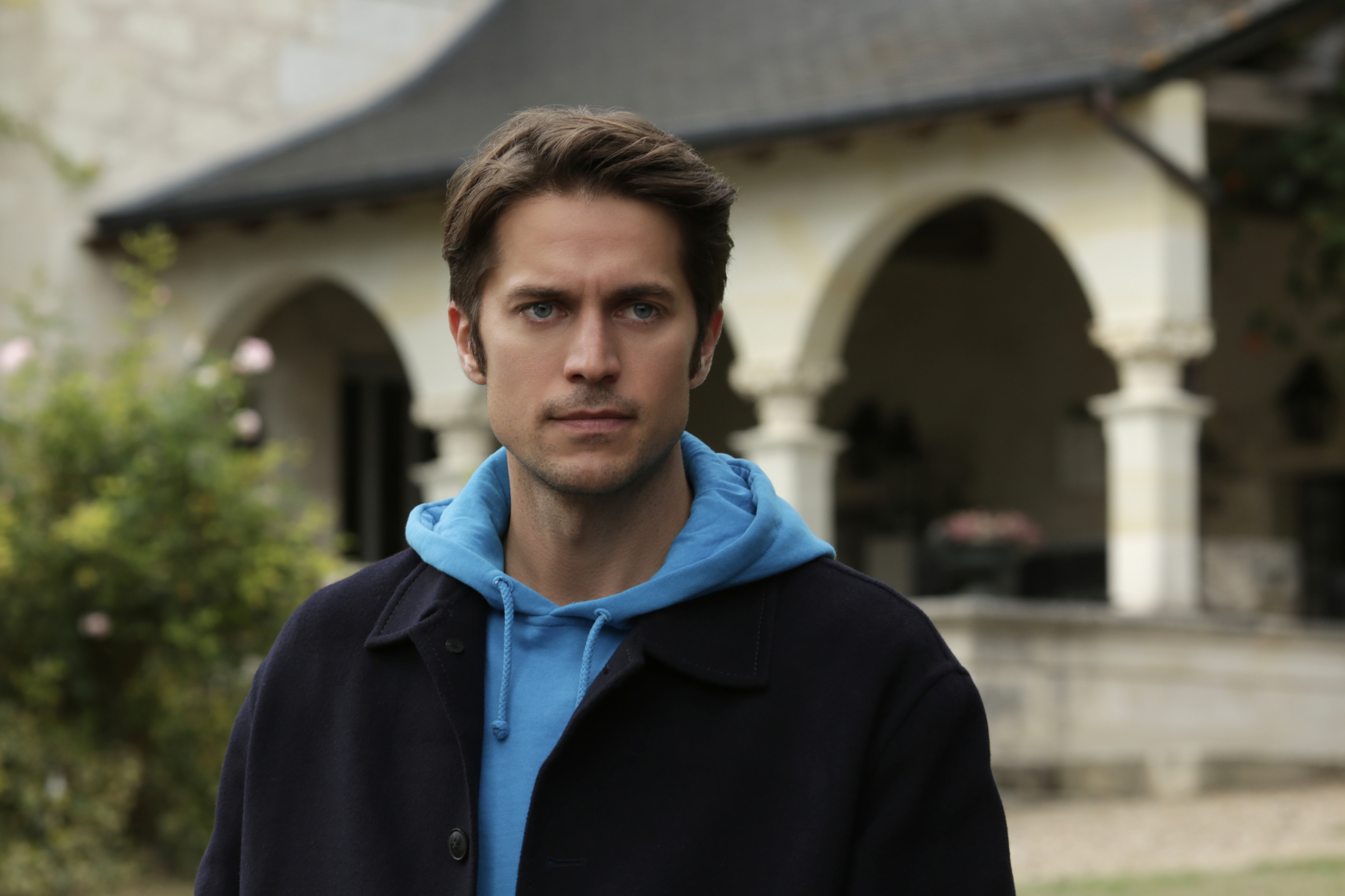 Emily In Paris Episode 8 Recap Emily Spends The Weekend At Camille S